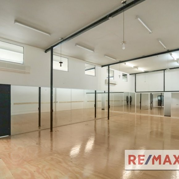 FOR LEASE - Retail | Showrooms - 327 Nudgee Road, Hendra, QLD 4011