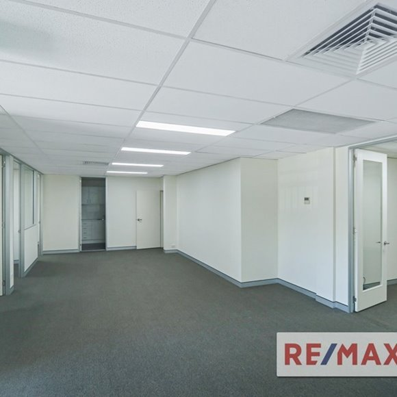 FOR LEASE - Offices | Medical - Level 1, 468 Kingsford Smith Drive, Hamilton, QLD 4007