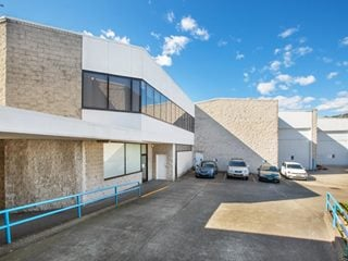 FOR LEASE - Industrial | Retail | Showrooms - 6/6-18 Bridge Road, Hornsby, NSW 2077