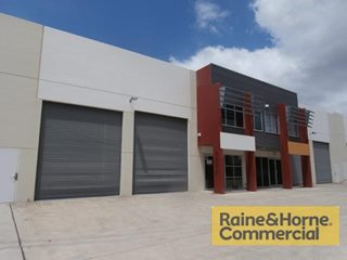 FOR LEASE - Industrial | Offices - 5/26-34 Weippin Street, Cleveland, QLD 4163