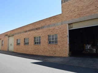 FOR LEASE - Industrial | Showrooms - 35-37 Rowe Street, Shepparton, VIC 3630
