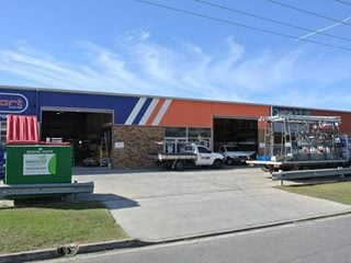 FOR LEASE - Industrial | Retail | Showrooms - 3/260 New Cleveland Road, Tingalpa, QLD 4173
