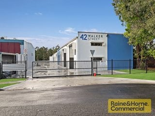 FOR LEASE - Industrial - 10/42 Walker Street, Tennyson, QLD 4105