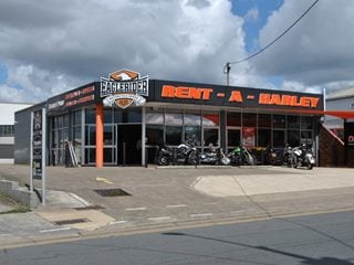 FOR LEASE - Retail | Showrooms | Industrial - 45 Moss Street, Slacks Creek, QLD 4127