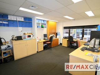 44/445 Upper Edward Street, Spring Hill, QLD 4000 - Property 254674 - Image 2