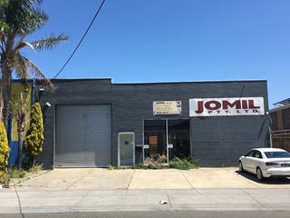 FOR LEASE - Industrial | Offices | Showrooms - 7 Bignell Road, Moorabbin, VIC 3189