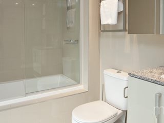 Apartment 610, 616 Glenferrie Road, Hawthorn, VIC 3122 - Property 314738 - Image 4