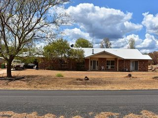 1605 and 1262, Burra Burri Creek Road, Chinchilla, QLD 4413 - Property 328135 - Image 10